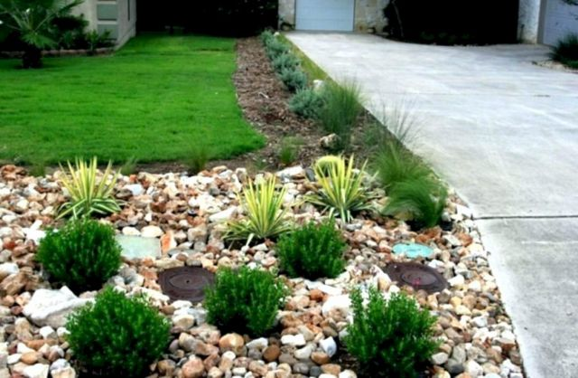 15 Incredible Front Yard Rock Garden Landscaping Ideas You Need To