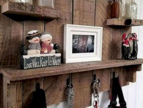 DIY Pallet Wood Shelf Ideas