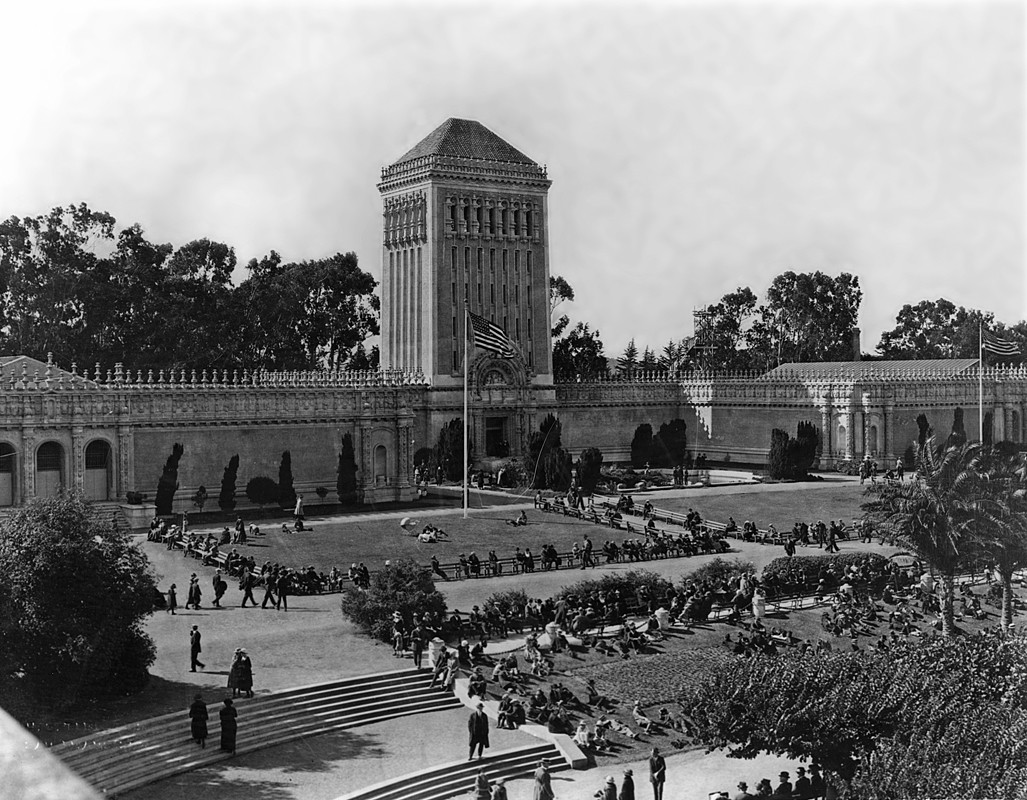 History Of De Young Museum