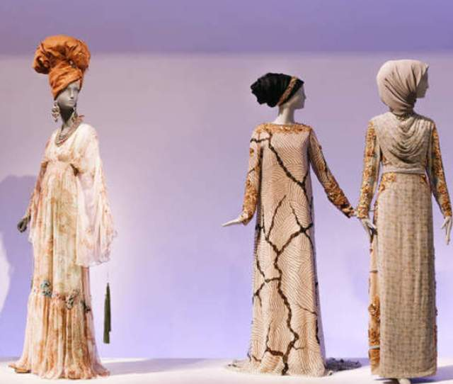 Modesty Makes Its Mark In Contemporary Muslim Fashions At The De Young Museum
