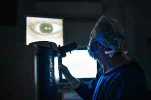 Does-Cataract-Surgery-Help-In-Vision-Improvement