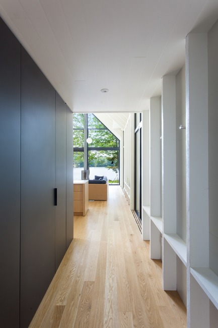 Press kit | 720-11 - Press release | Window on the Lake - YH2 - Residential Architecture - Photo credit: Francis Pelletier