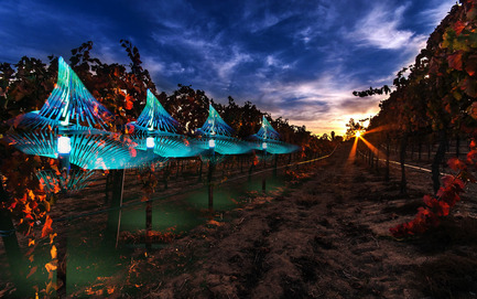 Press kit   2121-06 - Press release   Seismic Electromagnetic Induction LED - Margot Krasojević Architects - Lighting Design - Seismic LED in vineyard context - Photo credit: Margot Krasojević