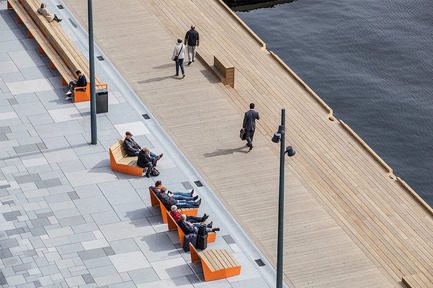 Press kit   2013-06 - Press release   Winner & Shortlisted announcements for WAN Waterfront, Transport & House of the Year Awards 2016 - World Architecture News Awards (WAN AWARDS) - Commercial Architecture - WAN Waterfront Award winner 2016 <br> - Photo credit: The Waterfront Promenade at Aker Brygge by LINK Landskap © Tomasz Majewski <br>