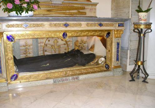 Apariţiile nocturne ale Fecioarei Maria şi poruncile sale (2)