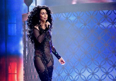 Fantoma fostului soţ o bântuie pe cântăreaţa Cher (2)