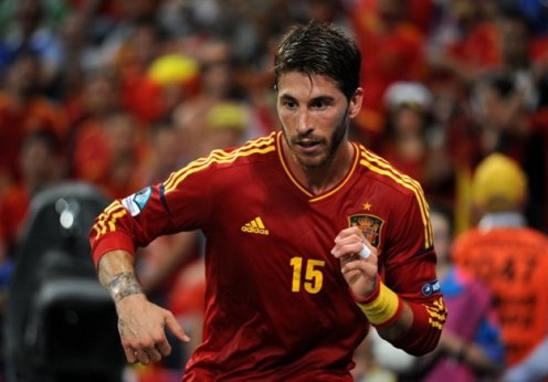 Sergio_Ramos_Euro_2012_vs_France_02