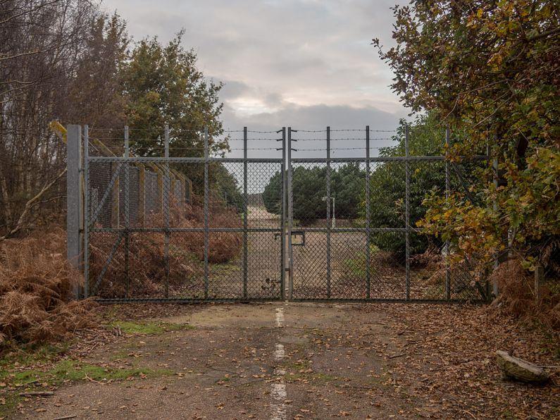 Poarta de Est a bazei RAF de la Woodbridge, unde a început incidentul foto de Taras Young sursa Wikipedia