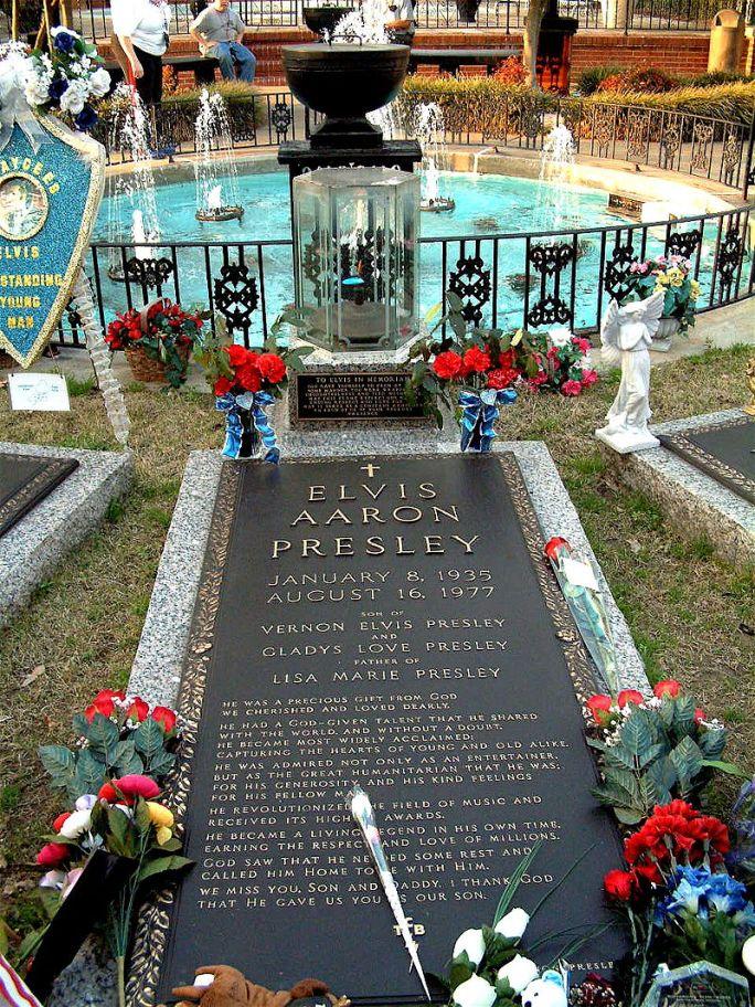 Mormântul lui Elvis, autor Maha, Wikipedia.