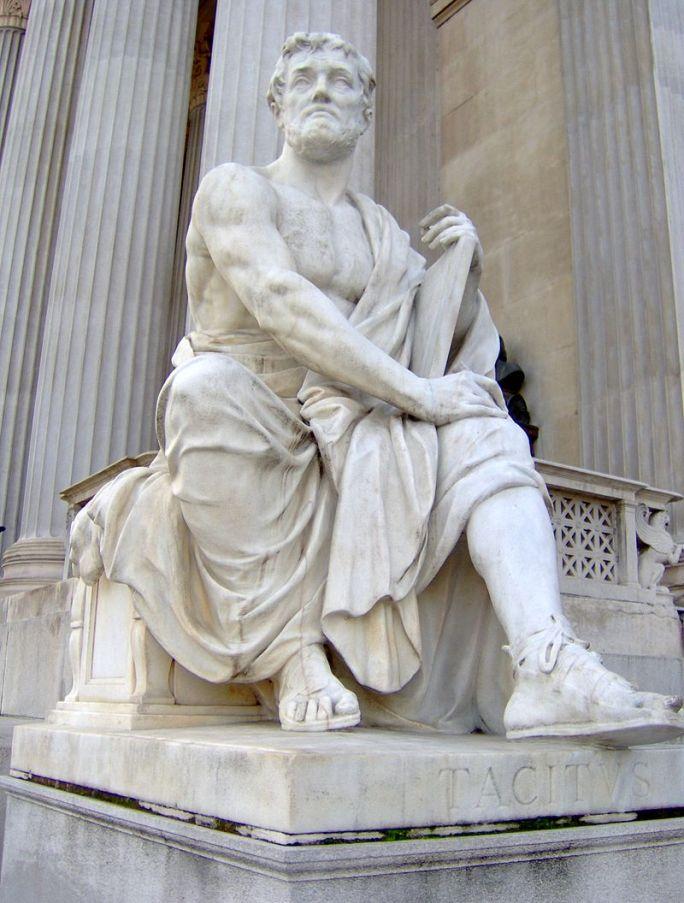 Statuia lui Tacitus din faţa Parlamentului din Viena, Sursa foto Wikipedia.