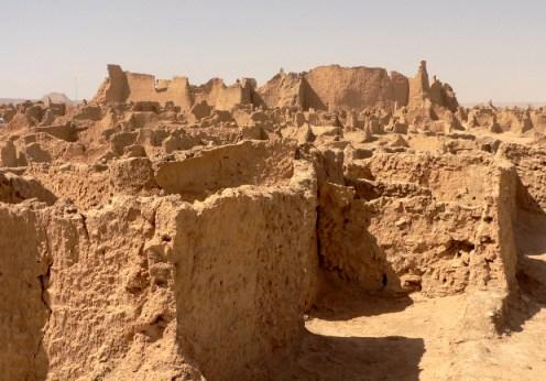 Sahara descoperirea ruinelor unui oraş datând de 15.000 de ani!