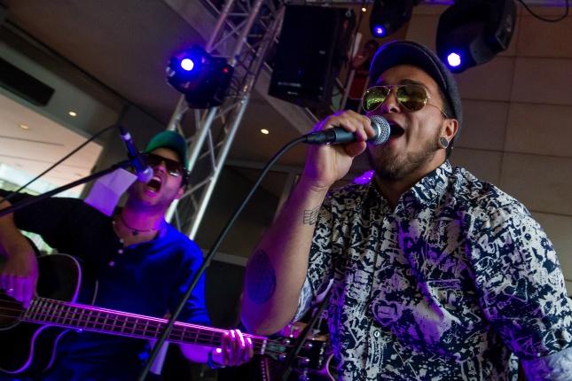 Künster und Musiker aus Südamerika stellen auf dem Mercado Latino ihr Können zur Schau