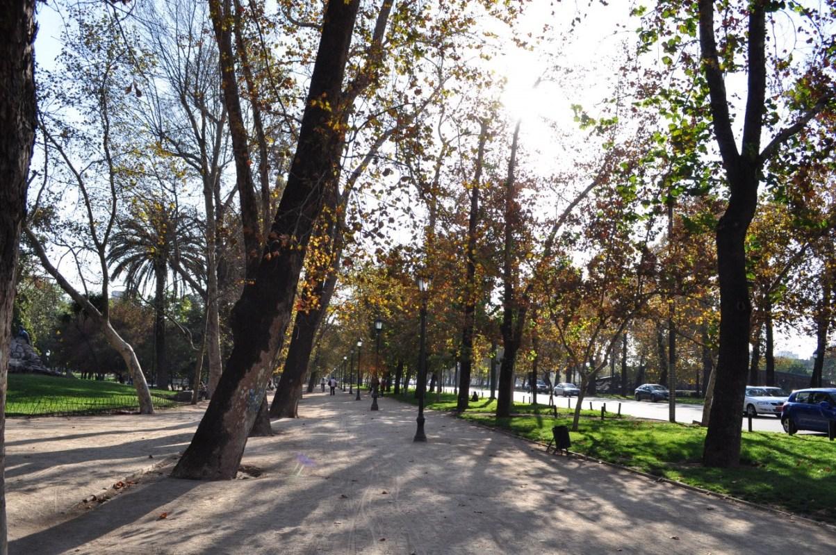 Santiago de Chile Sehenswürdigkeiten: Parque Forestal. Quelle: Wikipedia.