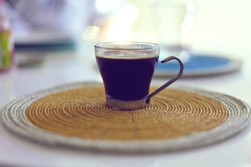 Erstmal Kaffee - egal, wie spät es ist. Quelle: Flickr.