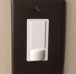 How to paint outlet covers