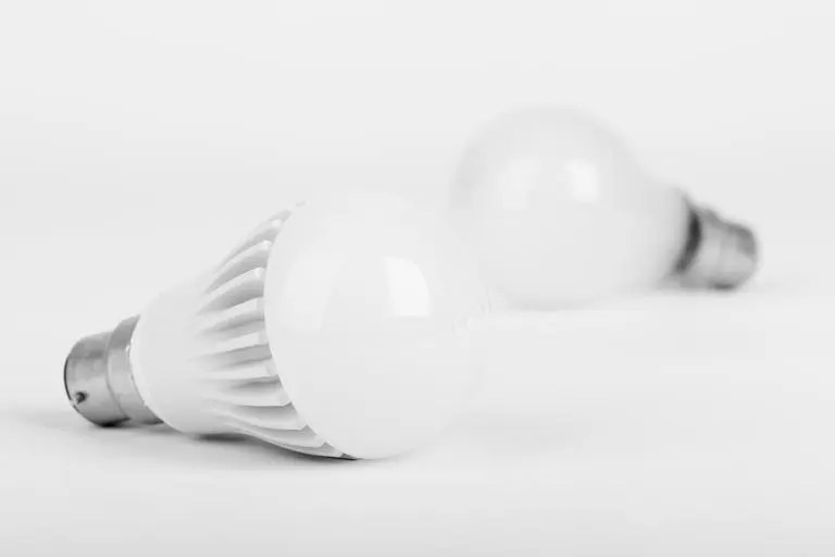 Bathroom Lighting Bulbs fix bathroom light bulb flickering - the silicon underground