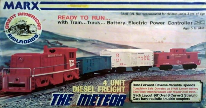 Marx Meteor train set box, 4 wheel plastic
