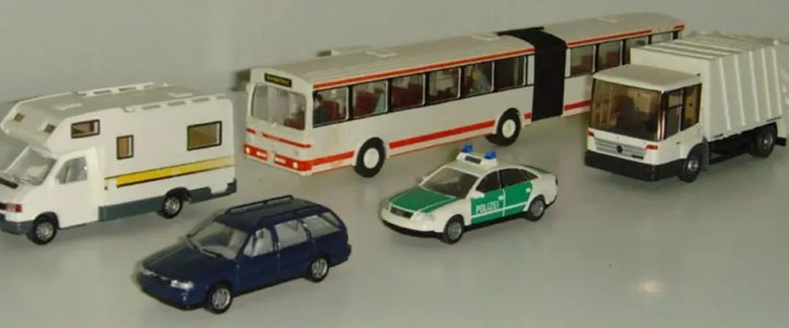 Which is bigger, 1:64 scale or 1:87 scale