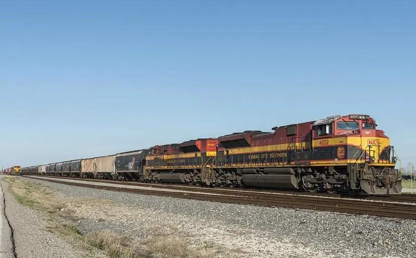how big is a train engine