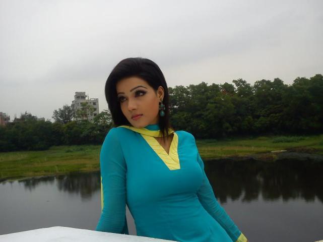 Mahiya Mahi_dfilmybuzz.com_108