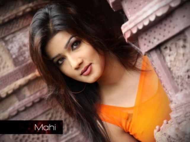 Mahiya Mahi_dfilmybuzz.com_112