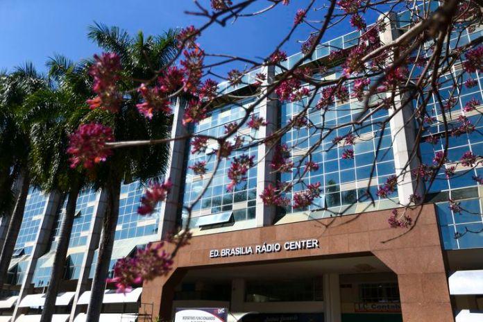 O edifício Rádio Center é um dos pontos da Rota do Rock.
