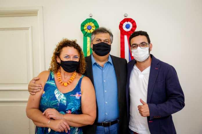 Deputada estadual Rosângela Zeidan acompanhou o filho, o vice-prefeito de Márica, Diego Zeidan, durante a visita ao governador Flávio Dino (Foto: Brunno Carvalho)