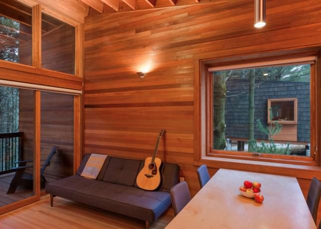 whitewail-woods-cabins-hga-paul-crosby_dezeen_1568_2