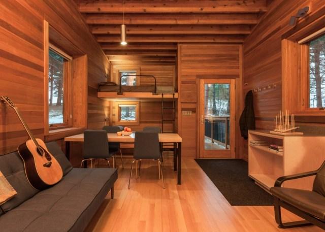 whitewail-woods-cabins-hga-paul-crosby_dezeen_1568_3