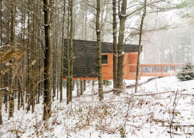 whitewail-woods-cabins-hga-peter-von-de-linde_dezeen_1568_0