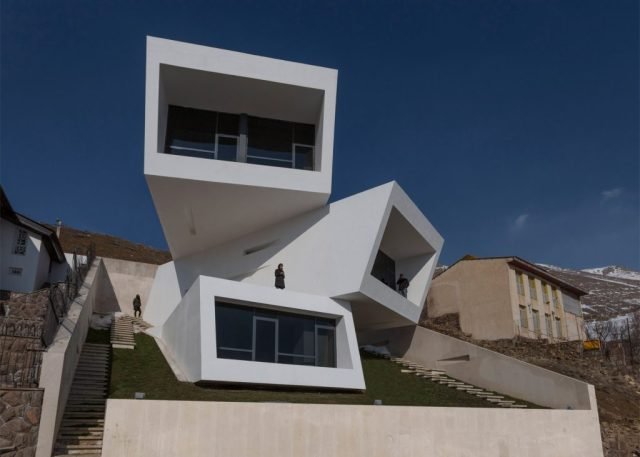 casa em declive 1