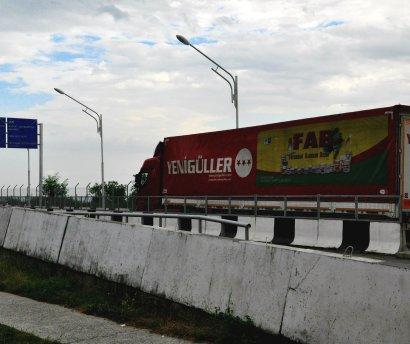 truck_on_border_with_Azerbaijan