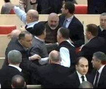 fight_in_parliament_2014-12-26
