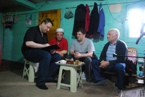 Ruslan Baramidze (on the left) during a field work