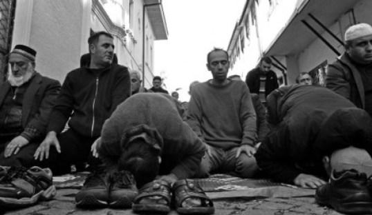 Friday prayer in Batumi (DFWatch)