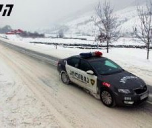 gudauri_police_car_snow