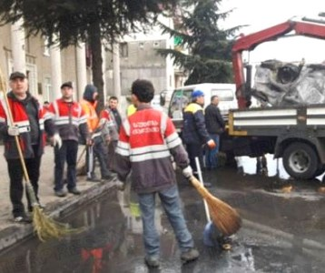 Clean up work after Batumi riot