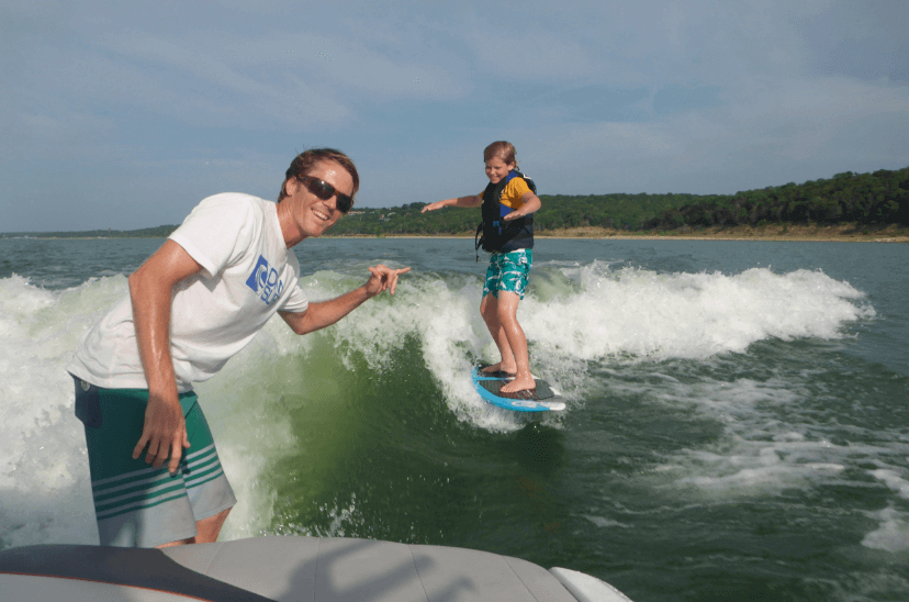 wakesurfing-lessons-on-your-boat