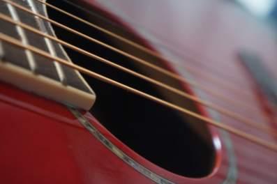 classic_guitar_detail_by_sten_jorgen_pettersen