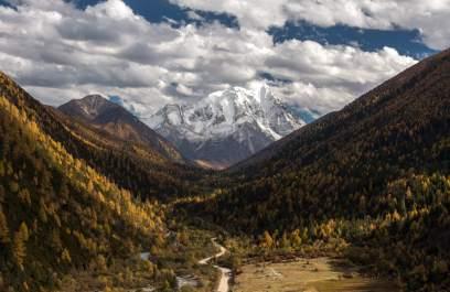 yala_mountain_by_geza_radics