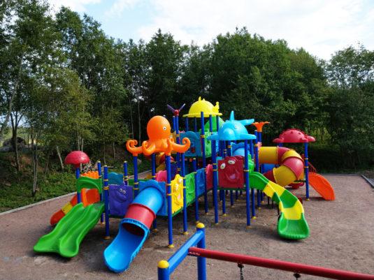 На изображении обустройство детской игровой площадки с сайта Dgorodki.ru Санкт-Петербург