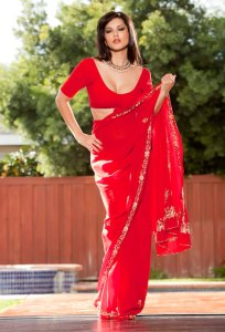 Sunny-Leone-Hot-Red-Saree-Photo-Shoot-For-her-Film-Jism-2-01