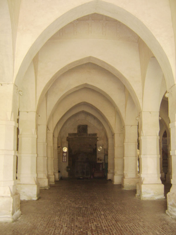 Sixty-Dome-Mosque8