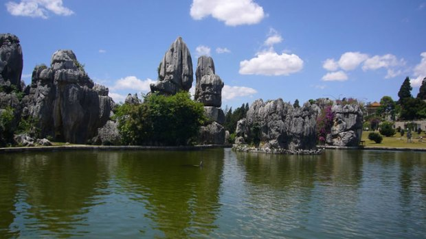 Stone-Forest-China11