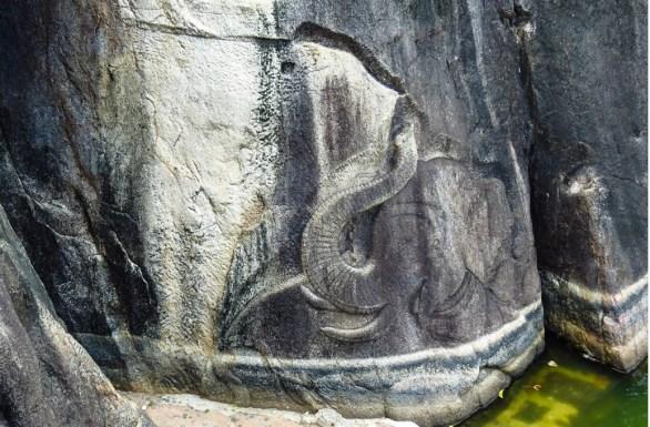Isurumuniya_Elephant_Pond