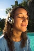 Listening_small_2