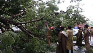கேரளாவில் பெய்த கனமழையால் சிக்கி ஆறு பேர் பலி