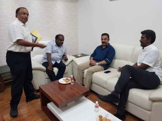 கர்நாடக முதல்வர் குமாரசாமி-யுடன் நடிகர் கமல்ஹாசன் சந்திப்பு