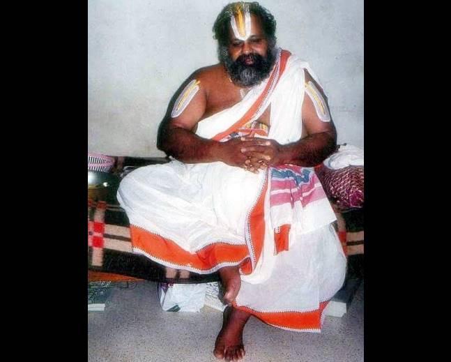 mukkur lakshmi narasimhachariyar மணியை எப்போதும் ஒரே மாதிரியாக அடிக்கக் கூடாது: முக்கூர் ஸ்வாமியின் விளக்கம்!