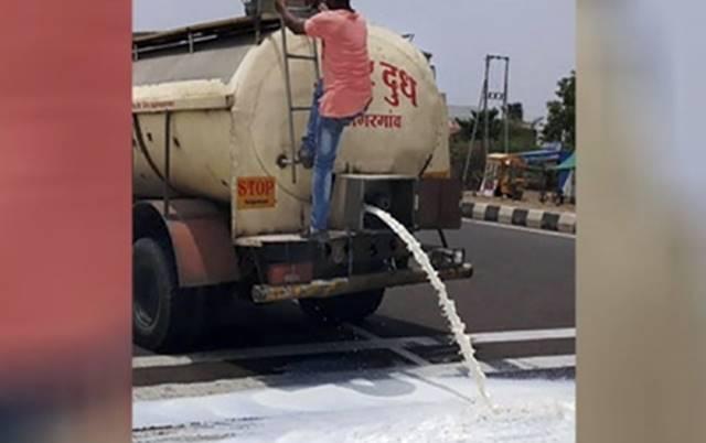 mumbai road milk 1 - 1